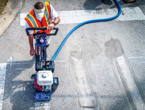 Download High Resolution Image|/content/dam/graco/industry-solutions/pavement-maintenance/Grindlazer290x220.jpg