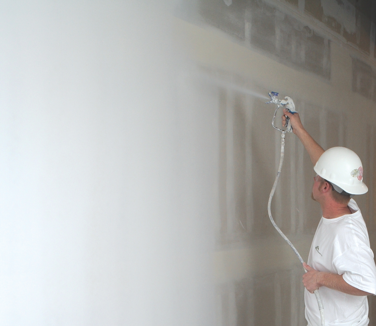 Applying a level 5 finish on an interior wall