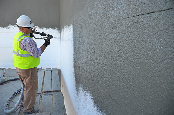 Download High Resolution Image|/content/dam/graco/aftd/images/application/spraying-eifs-materials.jpg